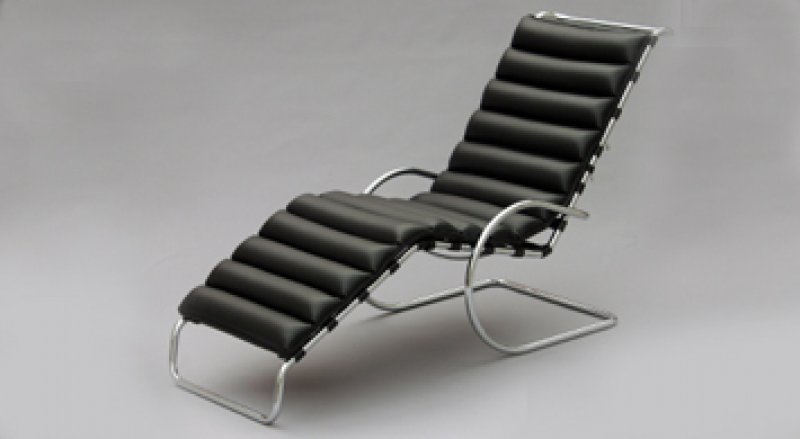 mr chaise lounge ludwig mies van der rohe bauhaus italy. Black Bedroom Furniture Sets. Home Design Ideas