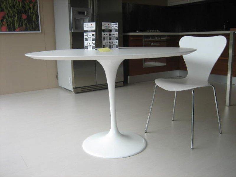 Table Tulip Eero Saarinen