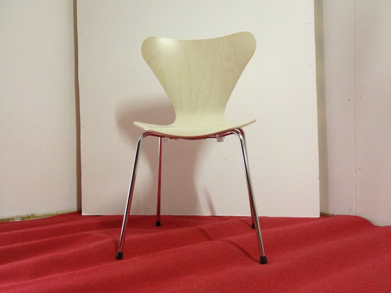 Jacobsen series 7 chair bauhaus italy for Bauhaus italia