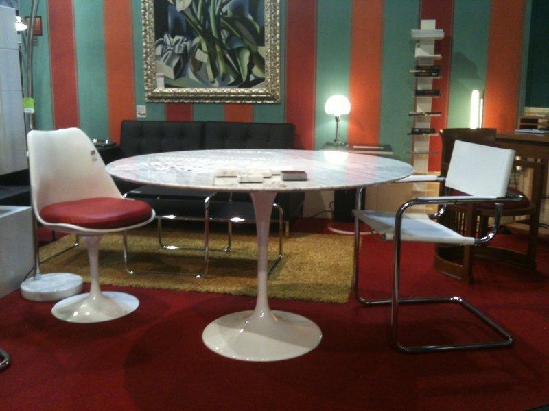 Saarinen Tulip Table Carrara Bauhaus Italy