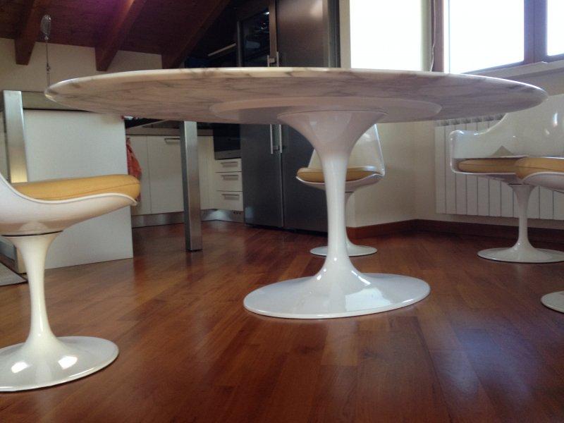 Tulip table Eero Saarinen - Bauhaus italy